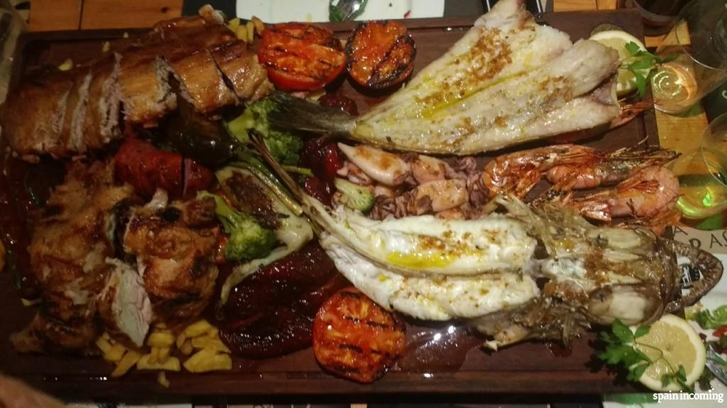 North of Spain cuisine: Fish and meat barbeque