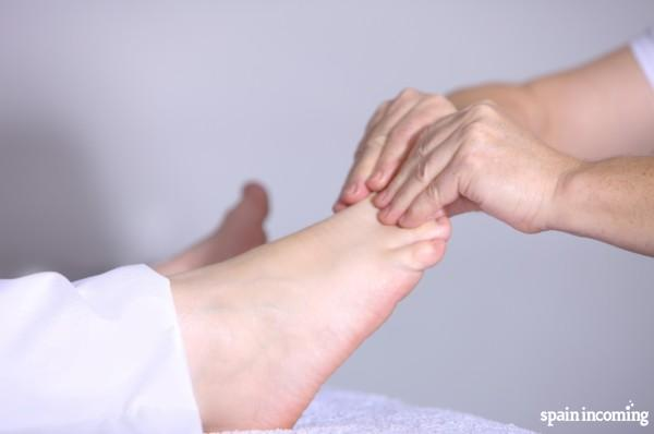 Camino de Santiago tips: feet care - massage your feet after each stage