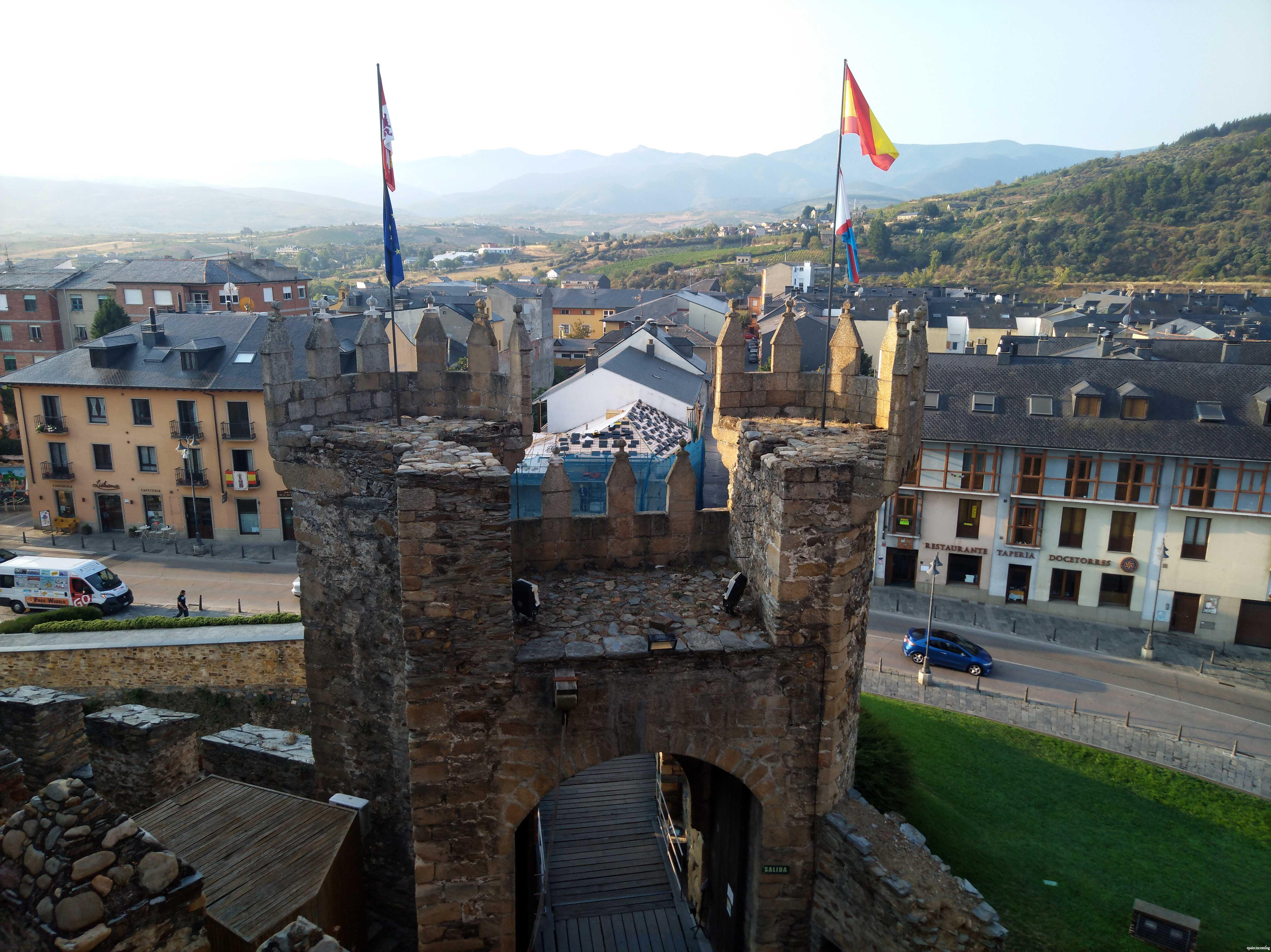 Nº 10 Ponferrada and its Templarios Castle
