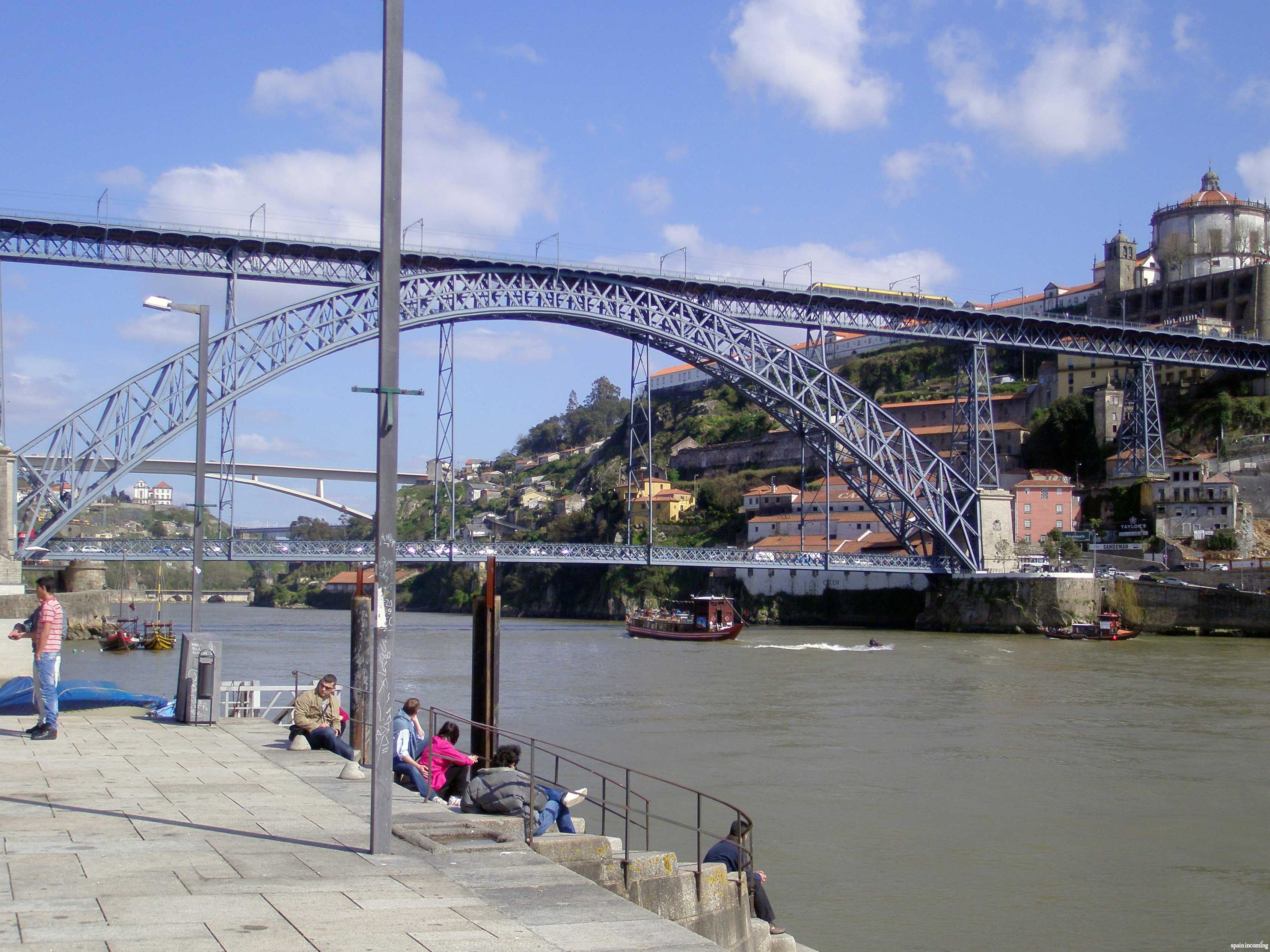 Nº 3 - Porto and its famous Luis I bridge