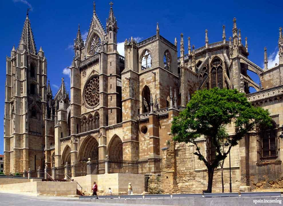 10 ideas for organize your trip to Spain - Cathedral of León