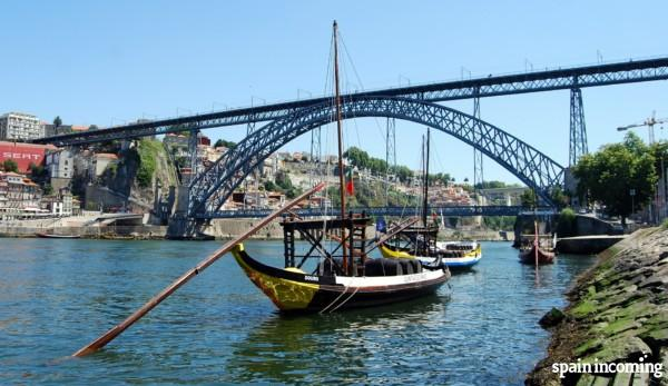 Top things to to in Porto - A Ribeira and the Luis I Bridge